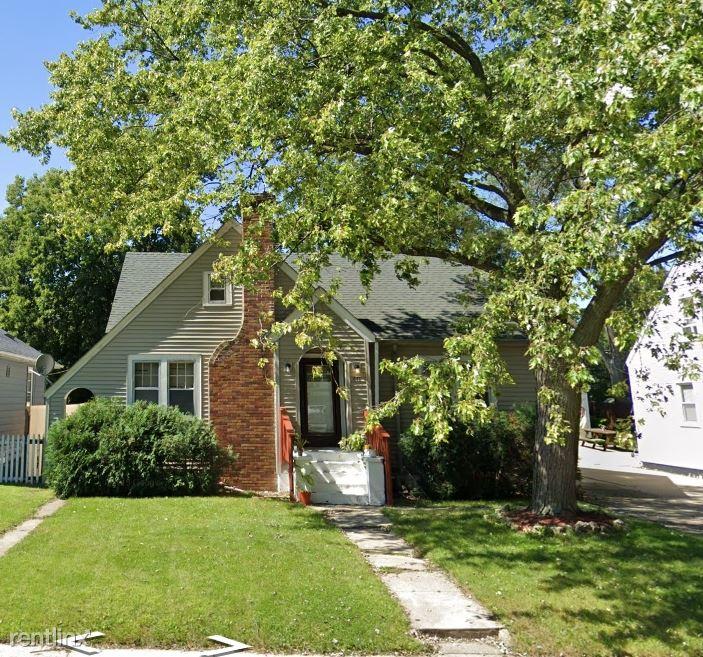 936 Westmoreland Ave, Waukeegan, IL - $1,500