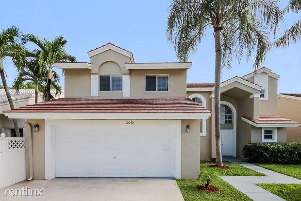 10045 Country Brook Rd, Boca Raton, FL - $2,875