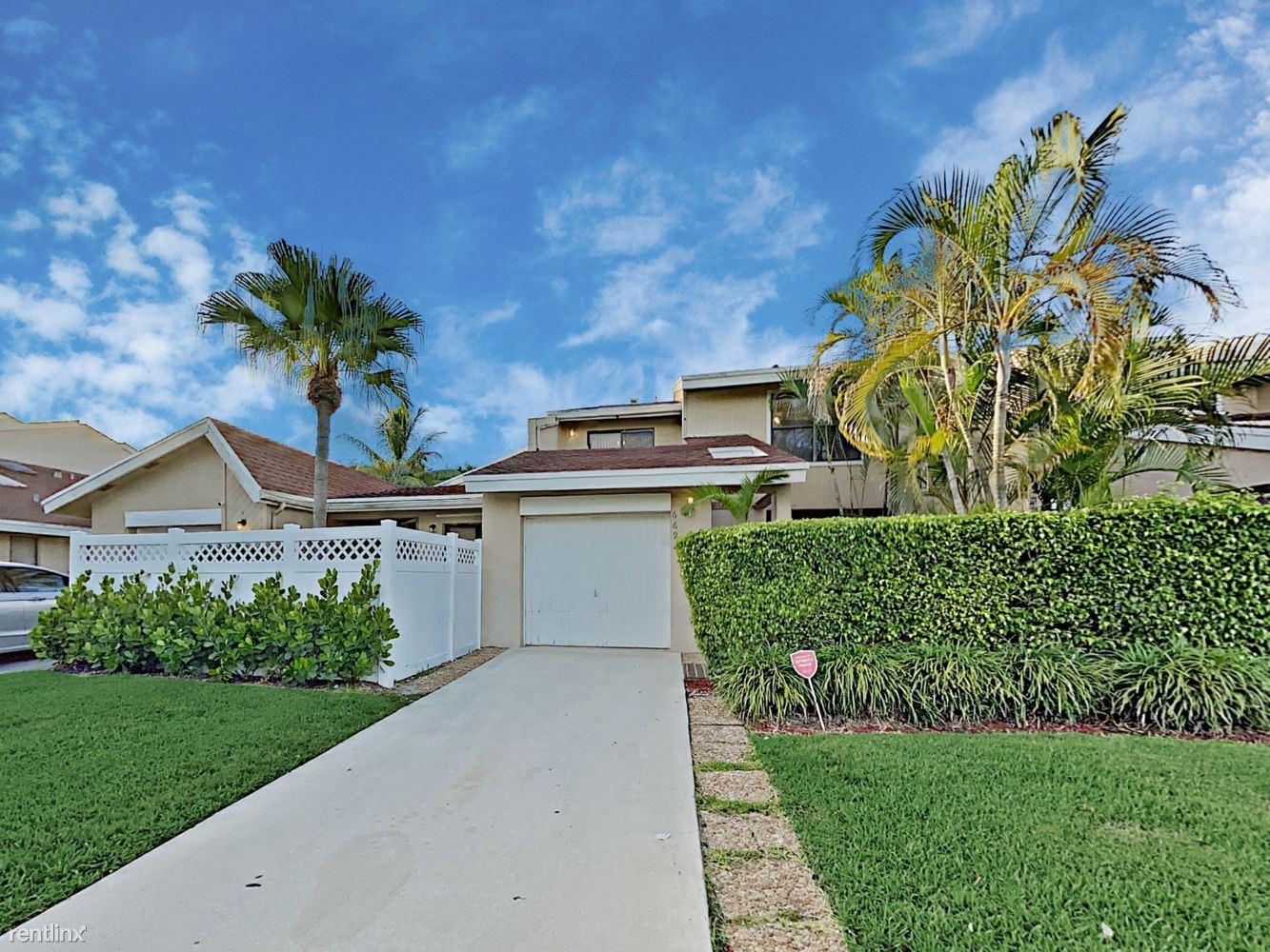 6692 Canary Palm Cir, Boca Raton, FL - $2,470