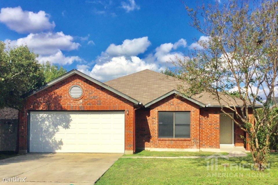 8011 Talkenhorn, Converse, TX - $1,479