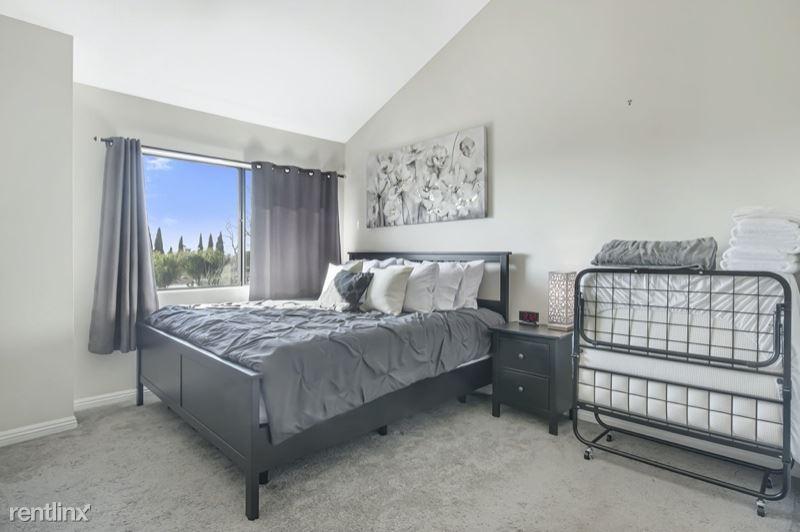 E Victoria St King Suite, Carson, CA - $1,465