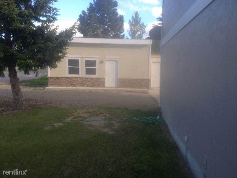 471 Paxon St E, Helena, MT - $900