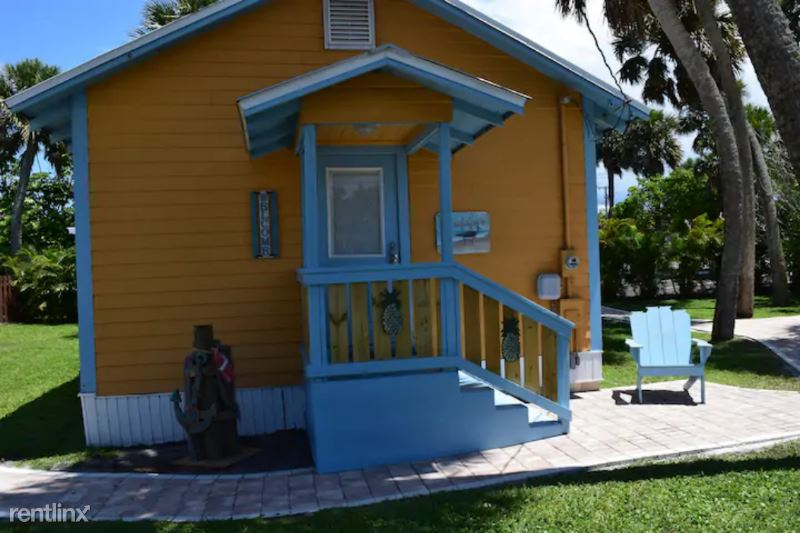 2645 NE Indian River Dr Sandpiper, Jensen Beach, FL - $1,800