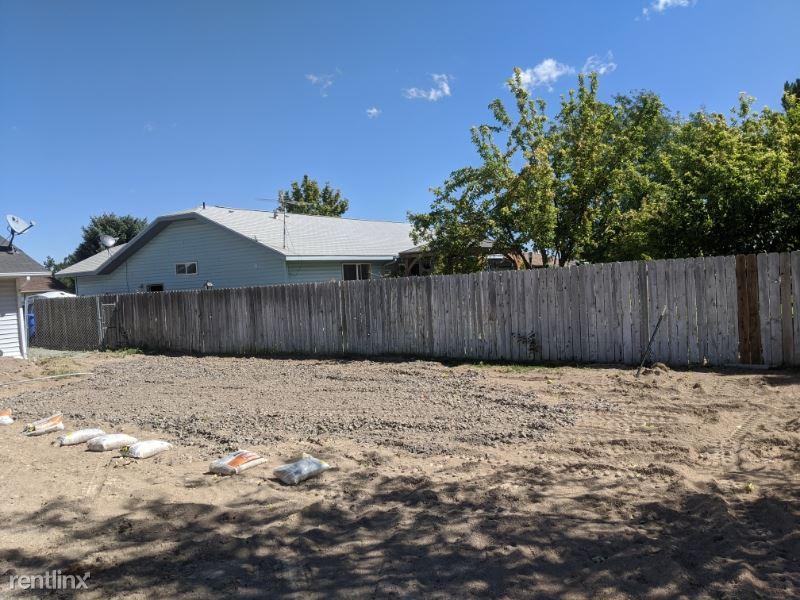 242 Coronado Ave, Twin Falls, ID - $500