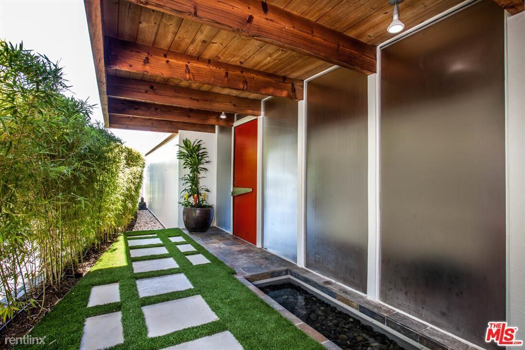 9119 Thrasher Ave, Los Angeles, CA - $8,900