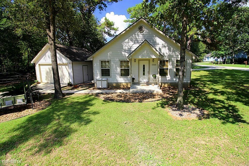 11944 Lakeview Manor Dr, Willis, TX - $1,600