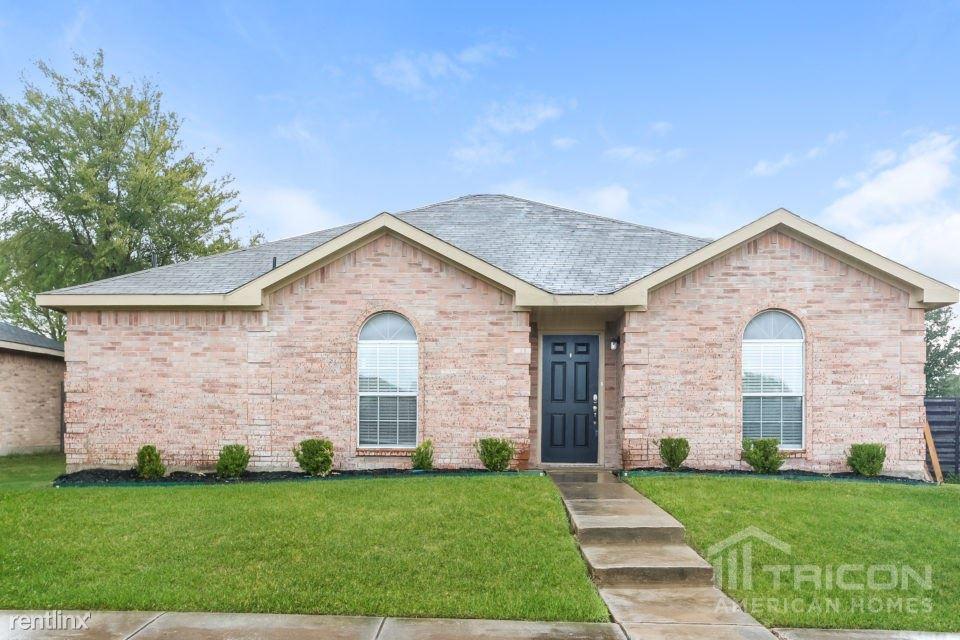 1204 Cedarcrest Drive, Mesquite, TX - $1,599
