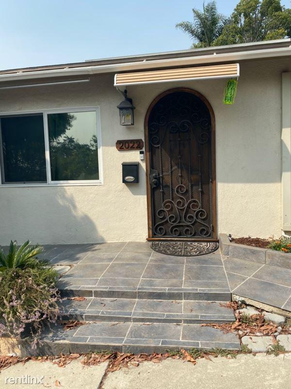 2022 Dawson Ave, Signal Hill, CA - $2,995