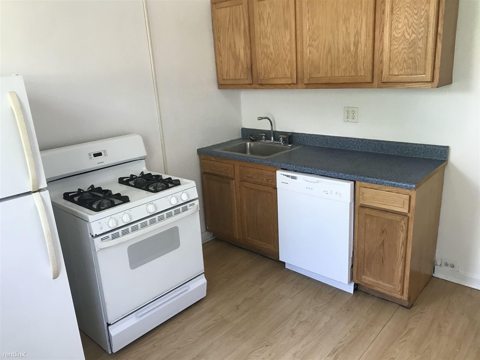 3414 Ward St, Pittsburgh, PA - $1,600
