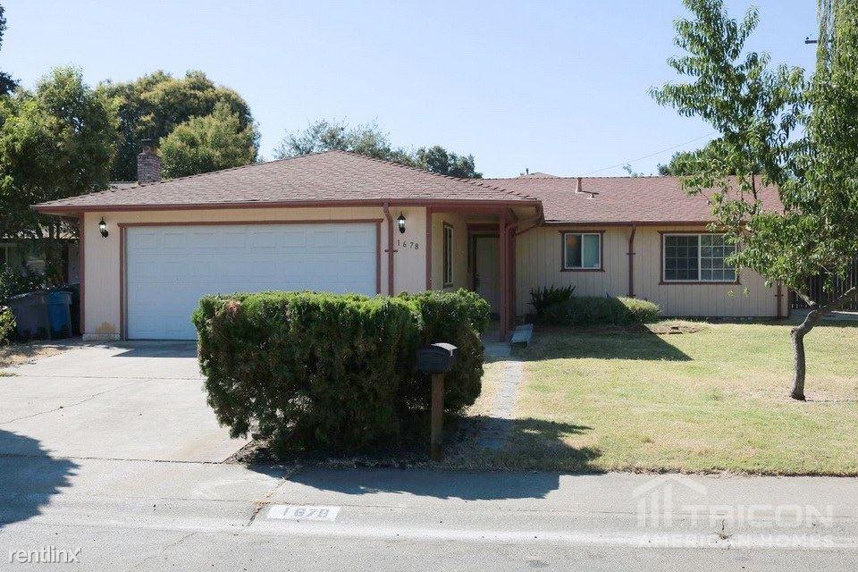 1678 Maywood Drive, Marysville, CA - $1,721