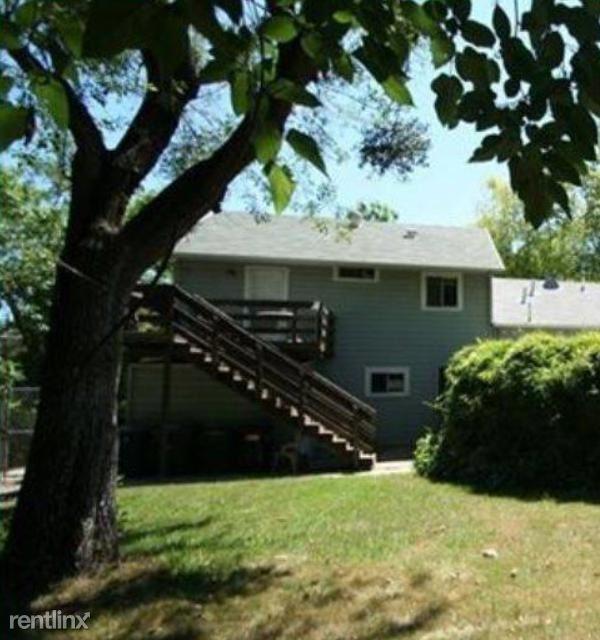 2633 Garfield Ave, Carmichael, CA - $1,150