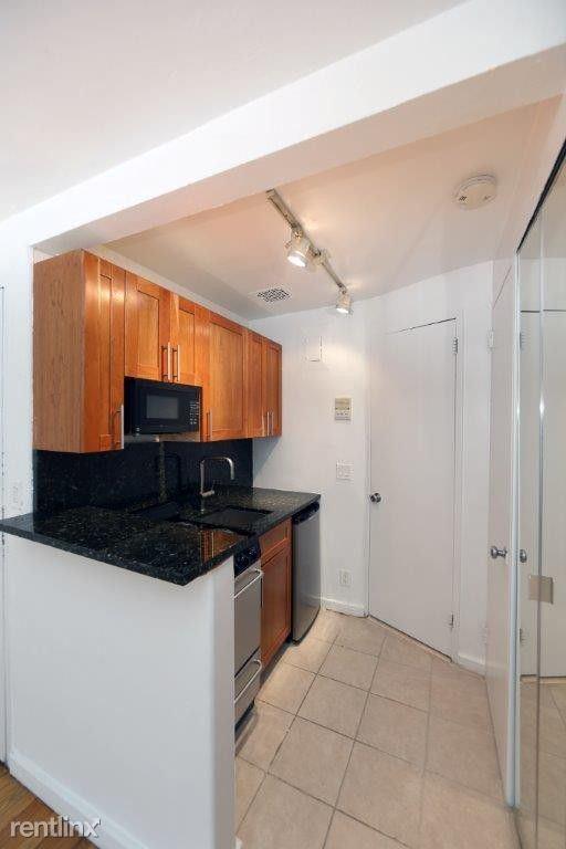 113 Sullivan St, New York, NY - $2,150