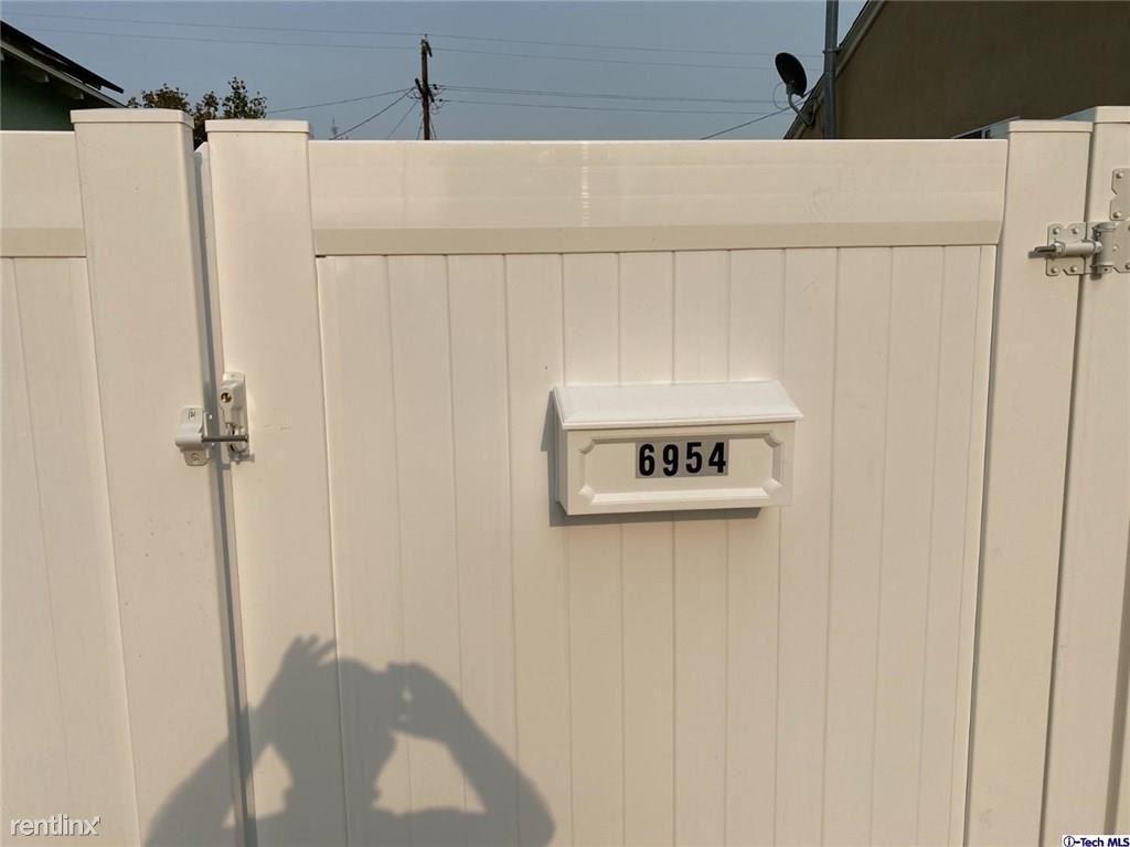 6954 Jellico Ave., Lake Balboa, CA - $3,450