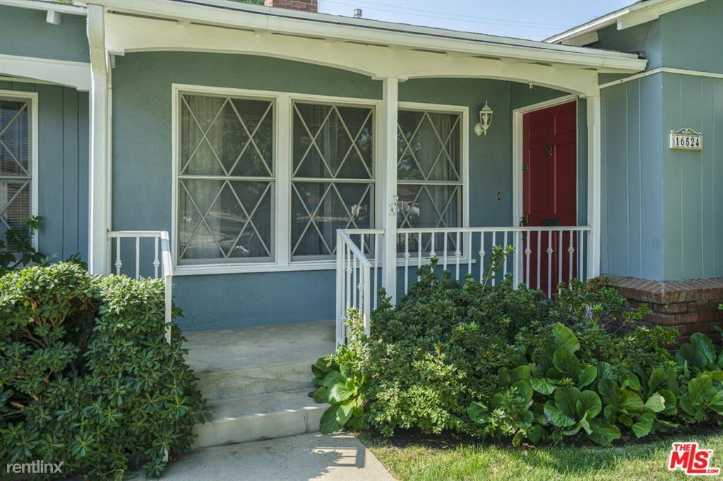 16524 Gilmore St, Lake Balboa, CA - $3,250