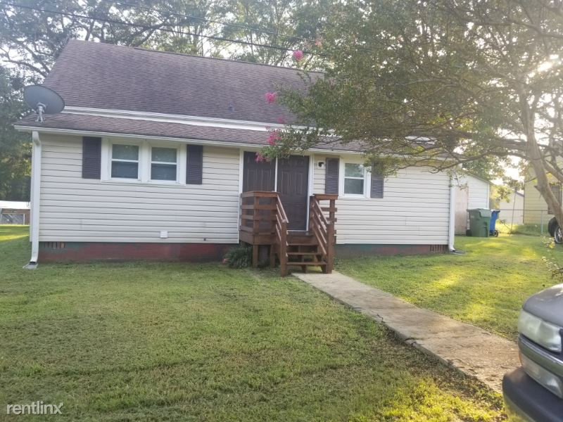 142 Alsace St, Mount Holly, NC - $1,250