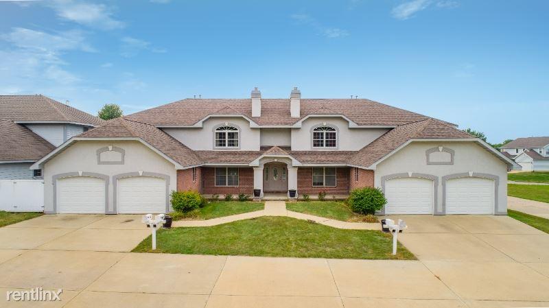 320 Holland Rd, Germantown Hills, IL - $1,100