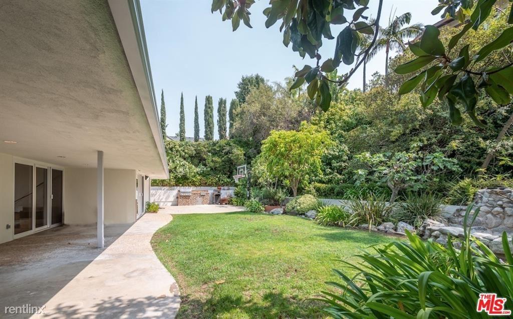 9524 Highridge Dr, Beverly Hills, CA - $9,000