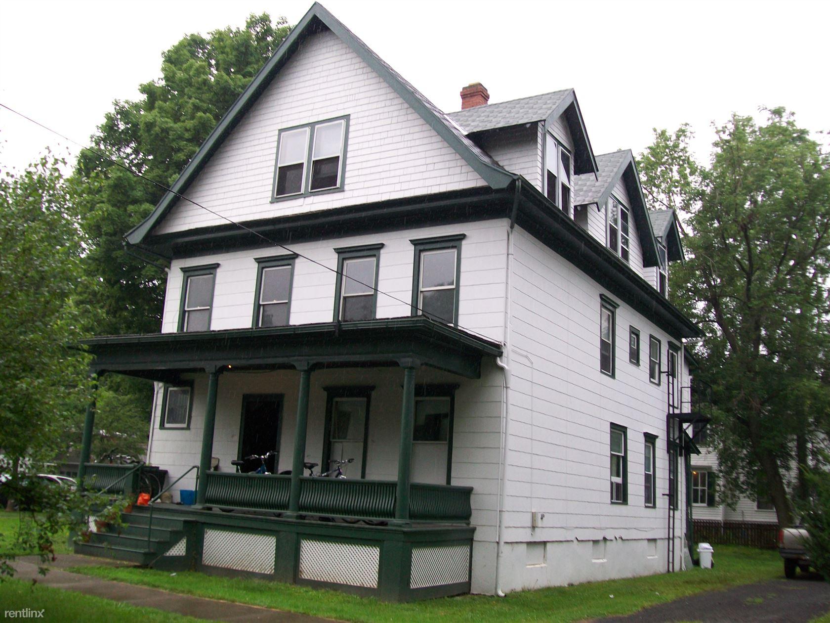 702 N. Aurora St Apt #3, Ithaca, NE - $1,560