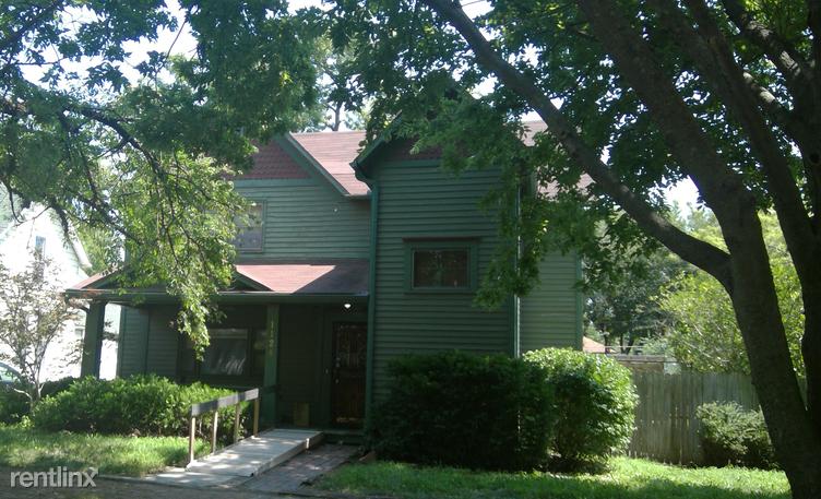 1124 SW Woodward Ave, Topeka, KS - $995