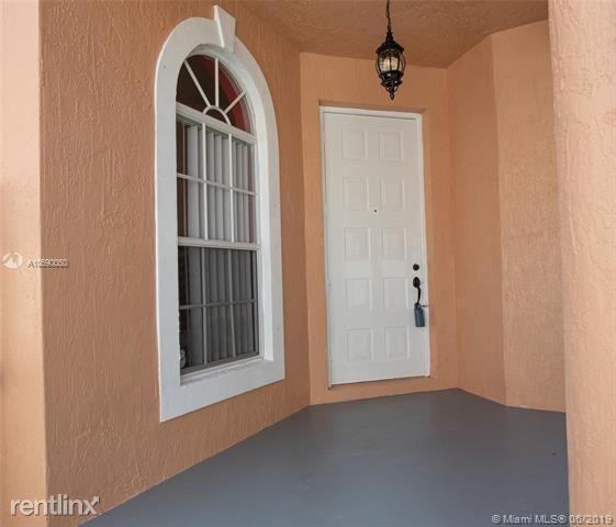 192 Seminole Lakes Dr, Royal Palm Beach, FL - $2,300