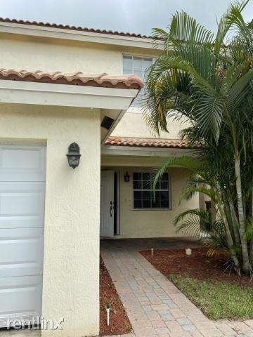 3347 Commodore Ct, West Palm Beach, FL - $1,900