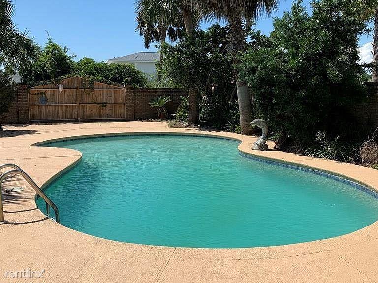 102 Buccaneer, Port St Joe, FL - $2,800