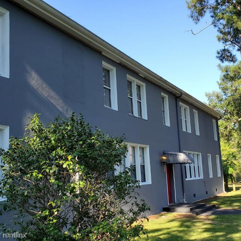 705 Louisiana Ave 2, Bogalusa, LA - $950