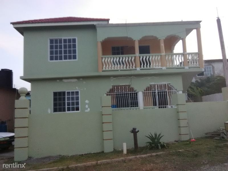 Seville Height s, St JamaicaAnn, New Britain CT, CT - $750