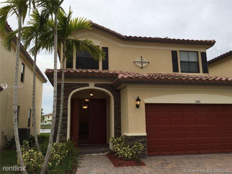 3385 W 86 Ter, Hialeah Gardens, FL - $2,800
