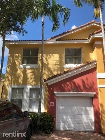 2207 Shoma Dr, Royal Palm Beach, FL - $1,895
