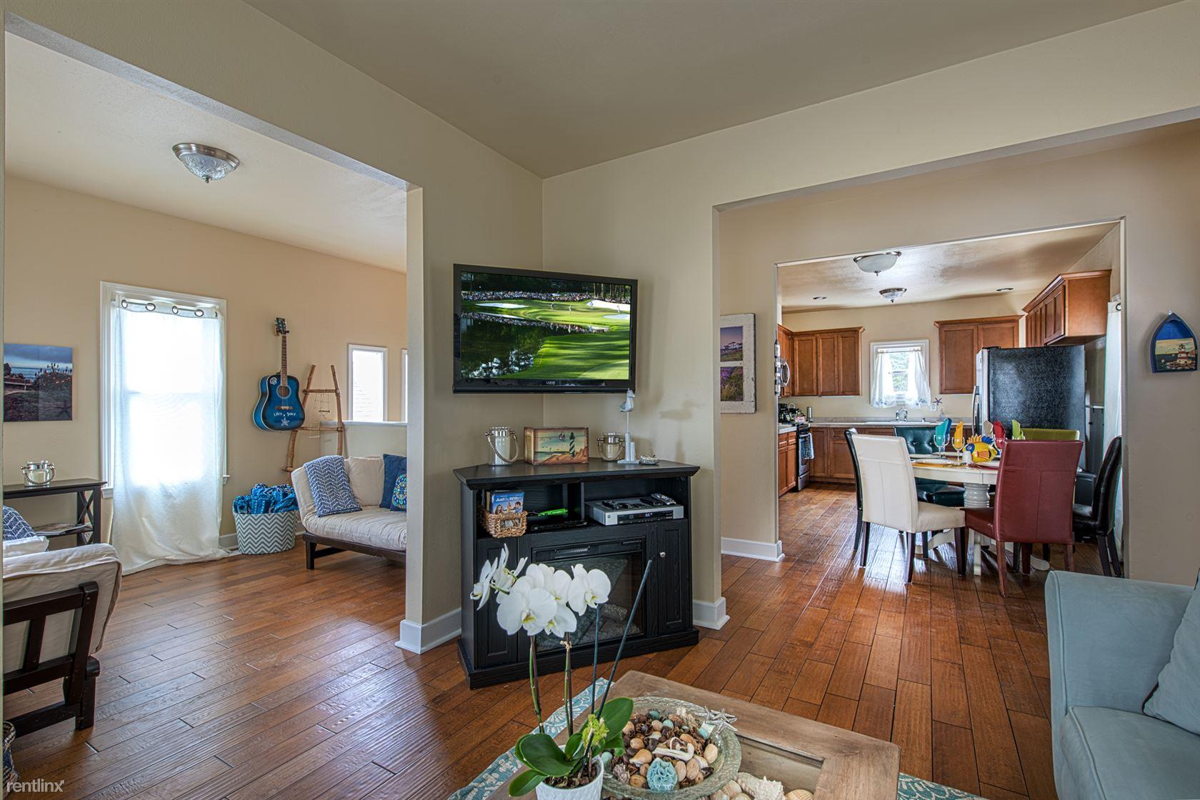 311 Park St, Pacific Grove, CA - $4,280 USD/ month