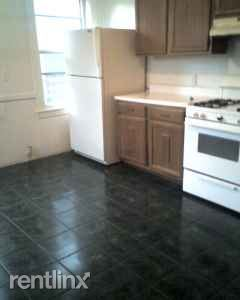 119 Brown St # 2/3, Waltham, MA - $3,500