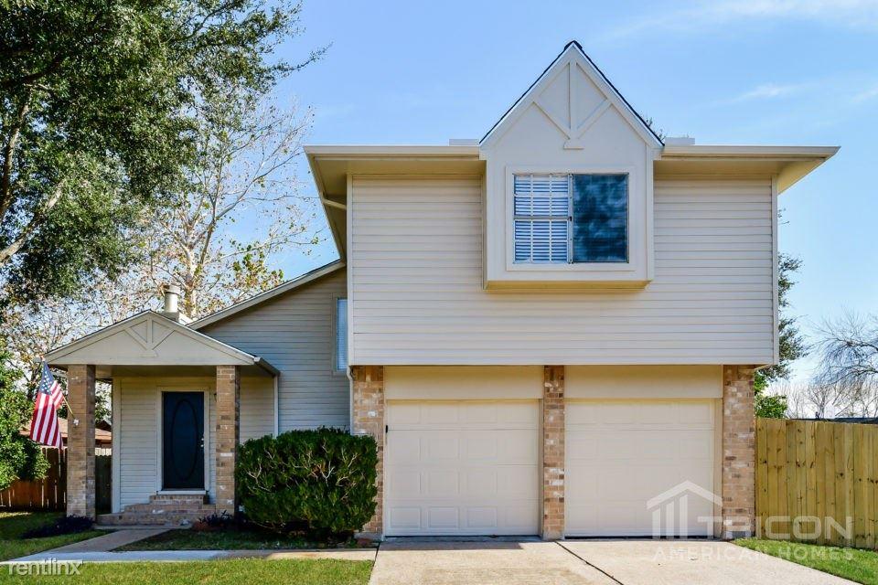 1111 Huntington Drive, Pearland, TX - $1,649