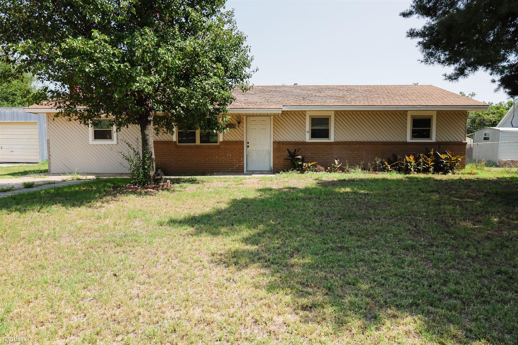 218 South Santa Fe, Mooreland, OK - $847