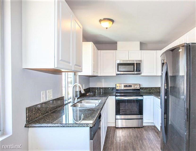 4560 Maple Avenue, La Mesa, CA - $2,800