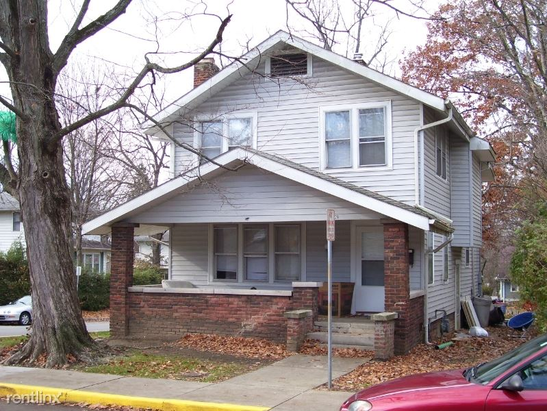 528 S Woodlawn Ave, Bloomington, IN - $2,540