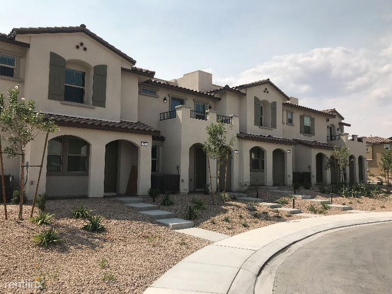 8 Alamere Falls Dr, Las Vegas, NV - $1,900