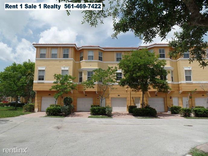 1008 Shoma Dr, Royal Palm Beach, FL - $1,895