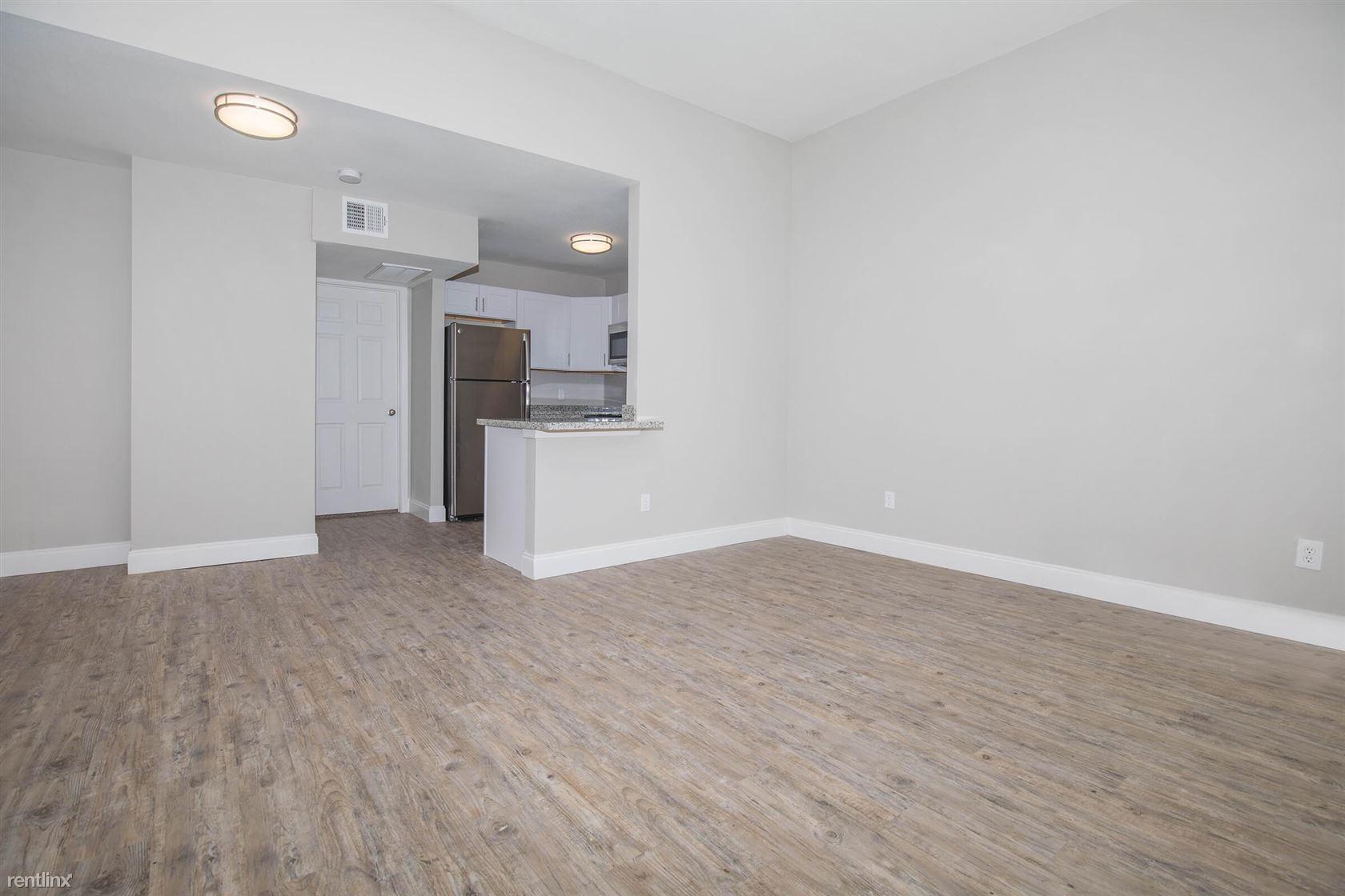600 Deats Rd, Dickinson, TX - $1,075