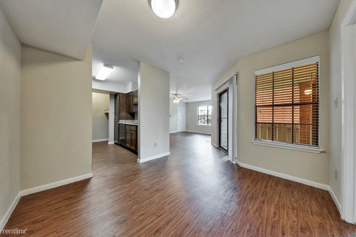 2105 Cedar Bayou Rd, Baytown, TX - $1,095