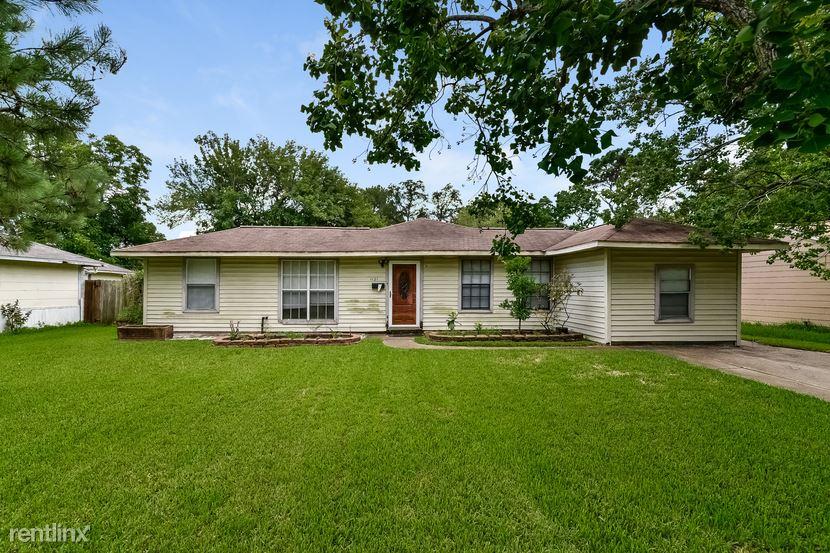 1121 14th Ave, Texas City, TX - $1,329