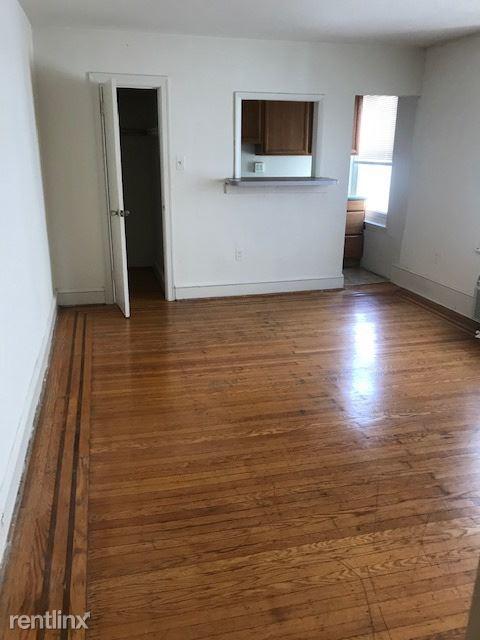 1309 Spruce St 3C, Philadelphia, PA - $975
