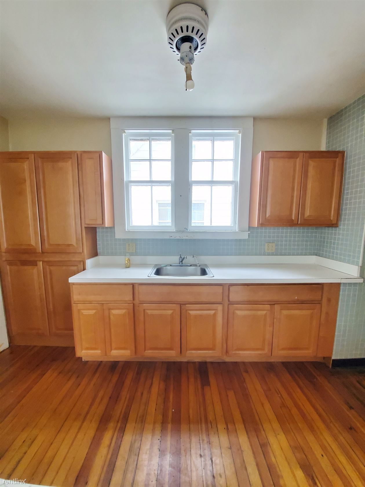 100 Henry St, East Haven, CT - $1,750