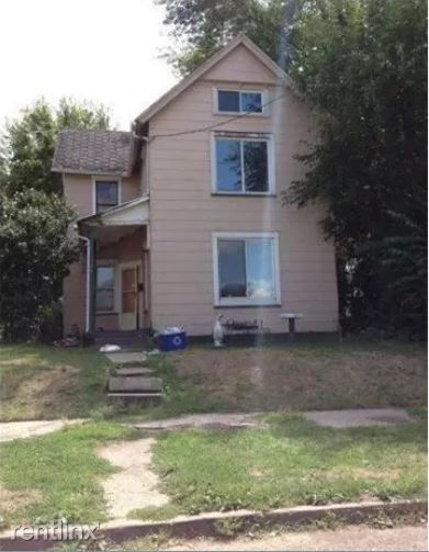 1111 2nd St NW, Canton, OH - $650