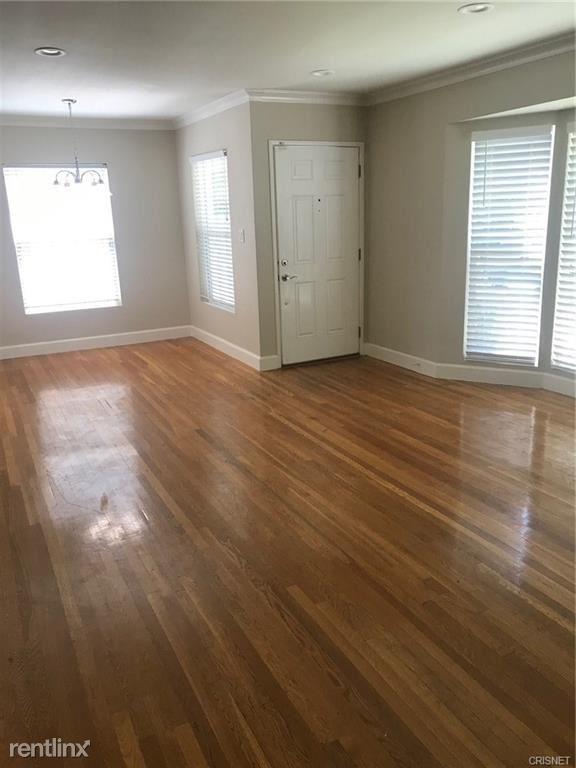 6644 Forbes Ave, Lake Balboa, CA - $3,275