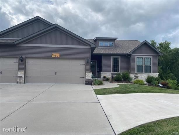 530 Glen Crossing Road, Glen Carbon, IL - $2,500