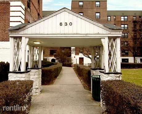 630 Gramatan Ave 1H, Mount Vernon, NY - $2,600