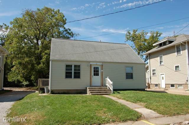 6 Triangle Pl, Iowa City, IA - $1,995 USD/ month