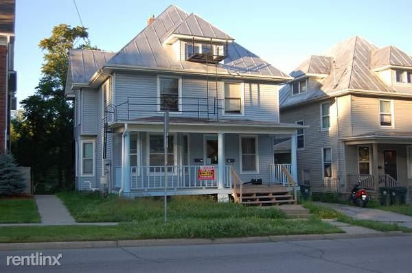 905 E Burlington St, Iowa City, IA - $3,300