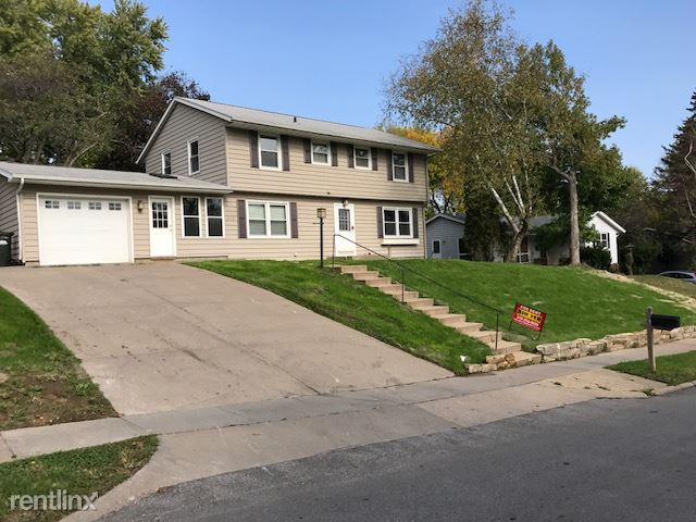 610 Greenwood Dr, Iowa City, IA - $3,300